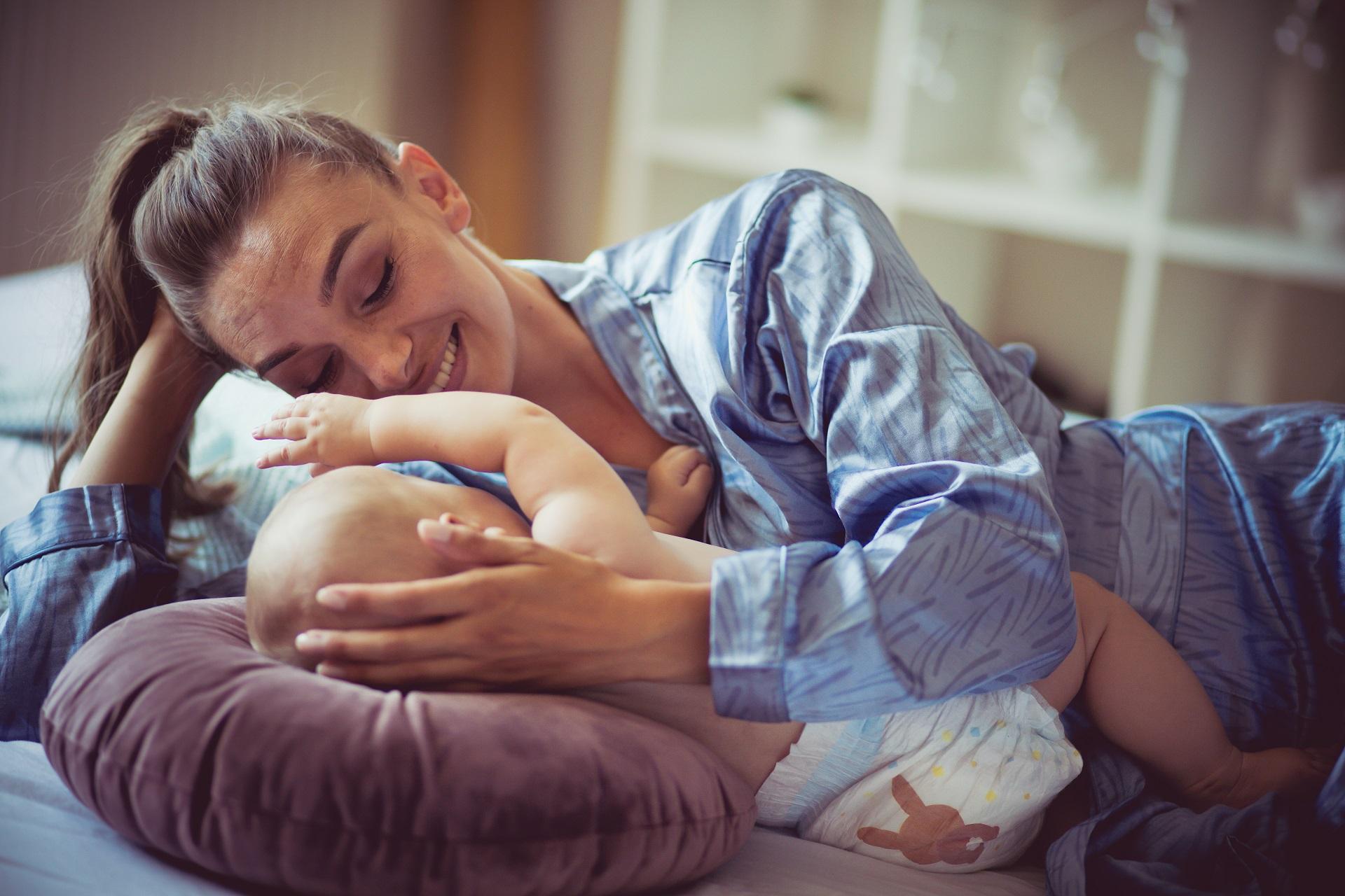 Produção independente mãe solteira reprodução humana inseminação artificial fertilização in vitro FIV sêmen de doador óvulo de doadora mãe e filho